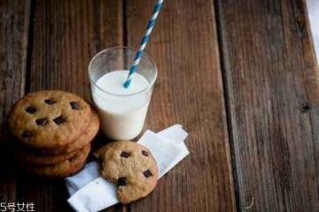 牛奶是胶体吗 牛奶是胶体还是乳浊液