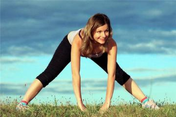 波比跳是力量训练吗 强度差不多