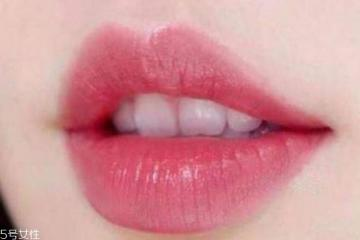 怎样涂口红才不掉色 如何涂口红不易掉色
