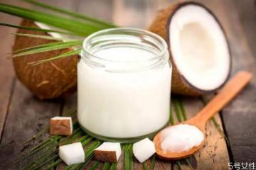 椰子油洗头能不能去屑 防脱发用椰子油还是橄榄油效果好