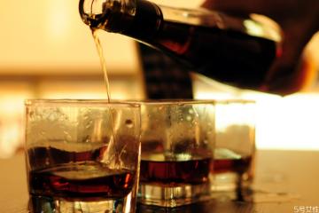 威士忌和白兰地哪个更烈 白兰地和威士忌的区别